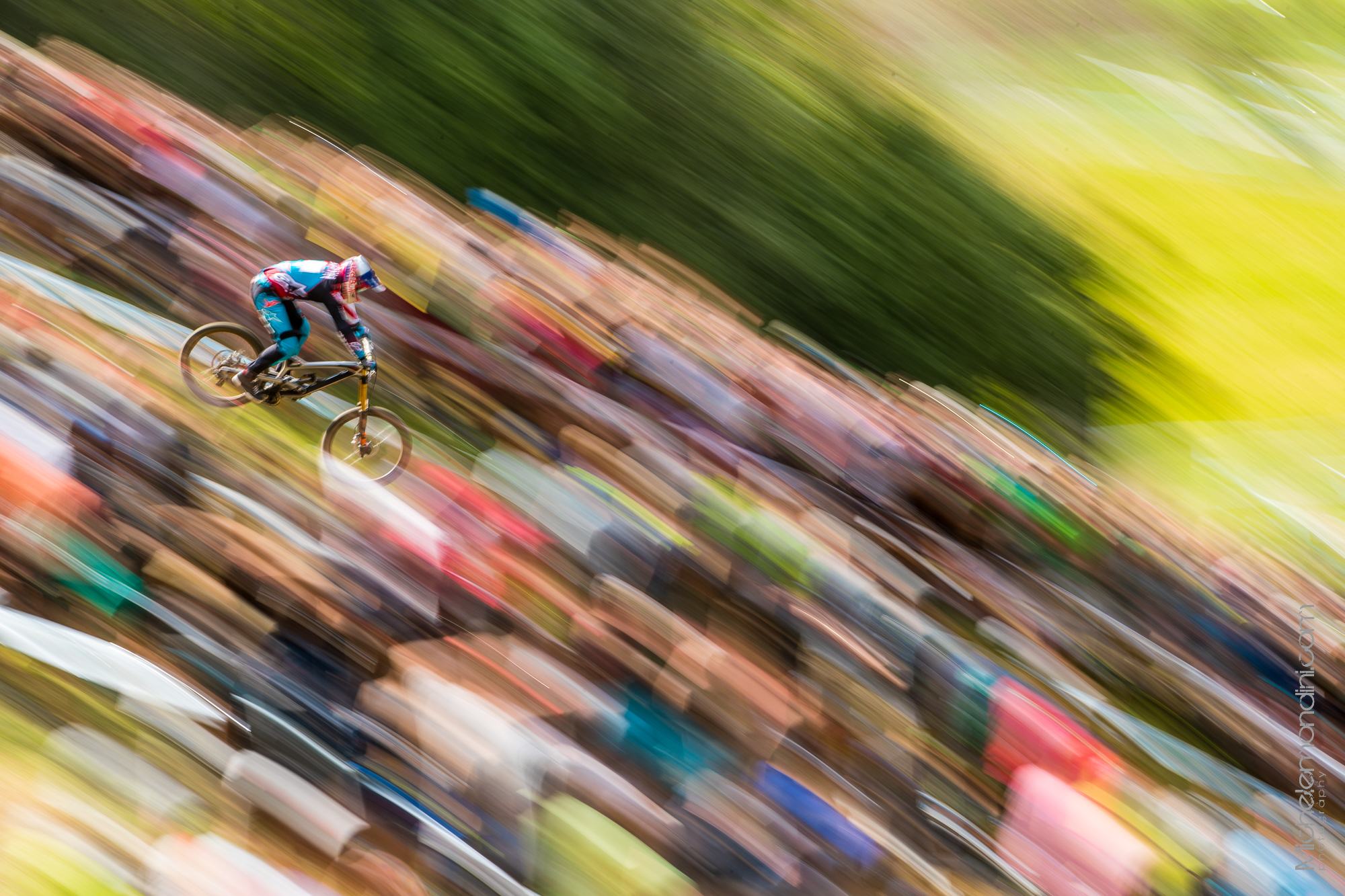 Aron Gwin on Pippo Jump in his final run - Val di Sole - Ph: Michele Mondini